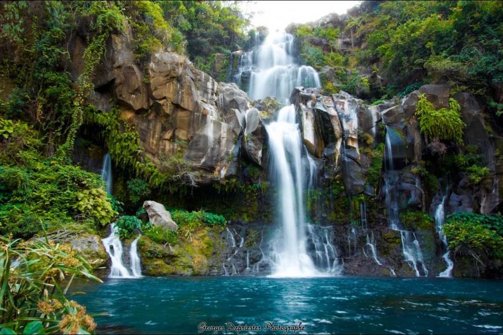 La Réunion mise sur la diversité de ses paysages: plages, montagnes, vallées, rivières,... ©DR