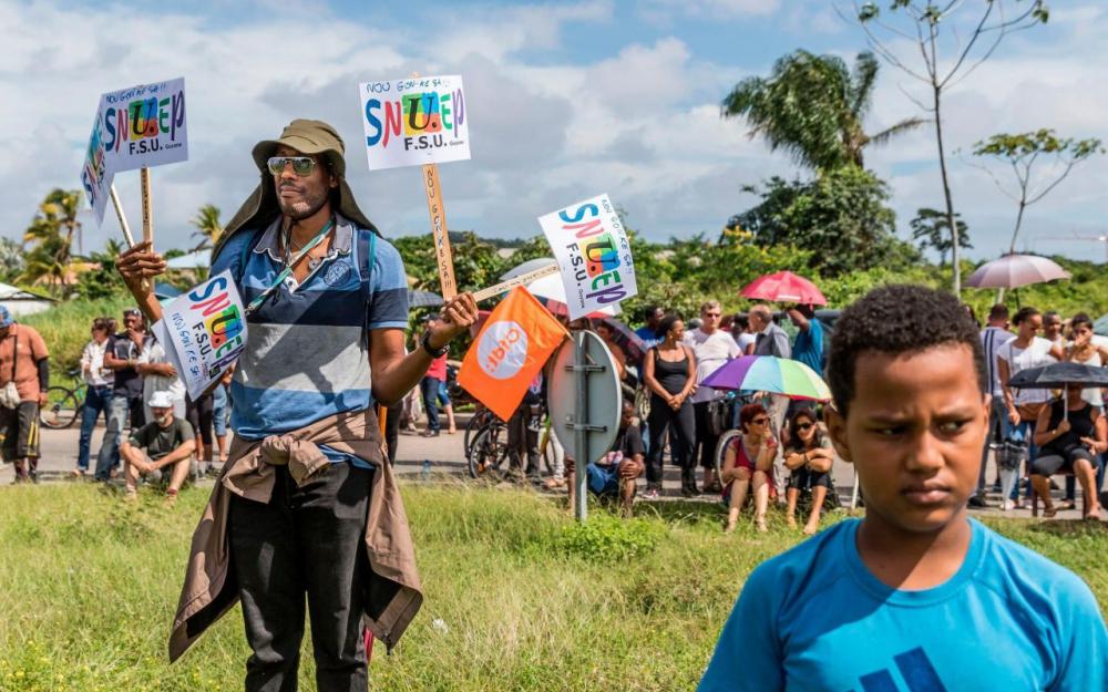 Mobilisation devant le Vice-rectorat ©AFP