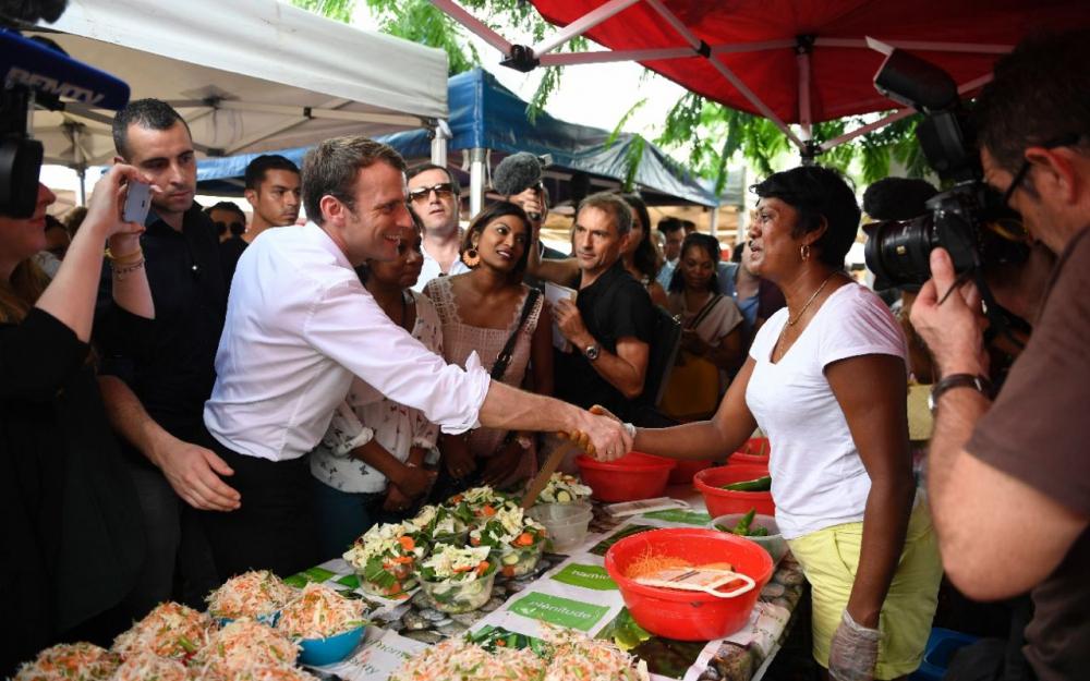 Patrick Lebreton, Gilbert Annette et Michel Vergoz, anciens soutiens de Manuel Valls, ont déjà décidé de rejoindre le candidat d'En Marche! ©Eric Feferberg / AFP