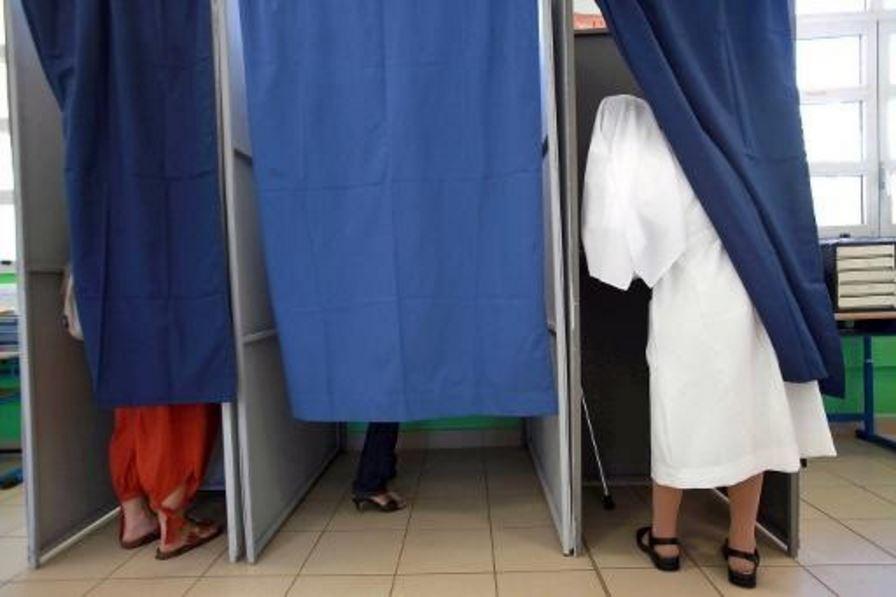 Dans beaucoup de territoires ultramarins, l'intimité de l'isoloir semble avoir stoppé les consignes de vote et soutiens ©Archives AFP