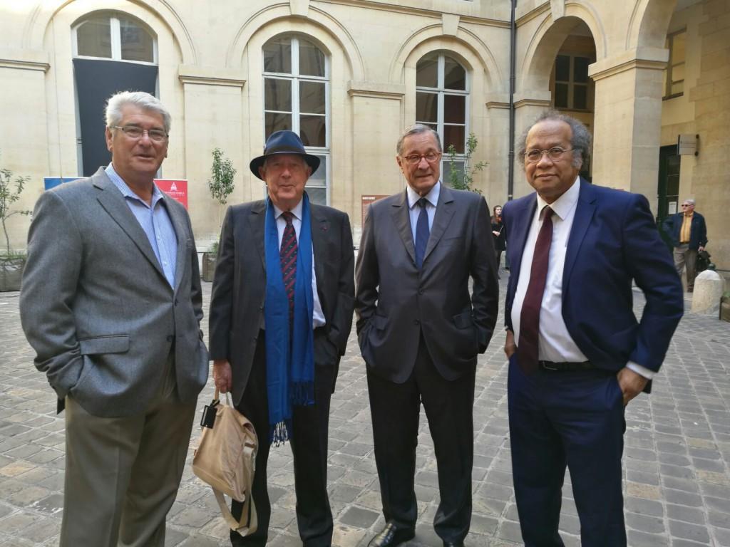 Roger de Jaham, à gauche, à Paris le 23 mai lors de la commémoration de la journée nationale des victimes de l'esclavage © Outremers 360