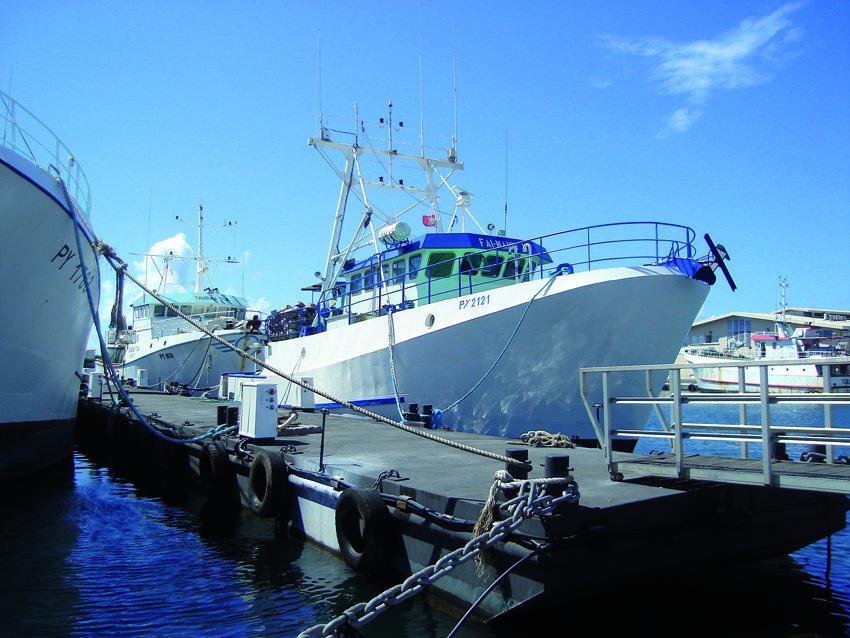 Thonier au Port de pêche de Papeete ©Isabelle Baland / Dixit