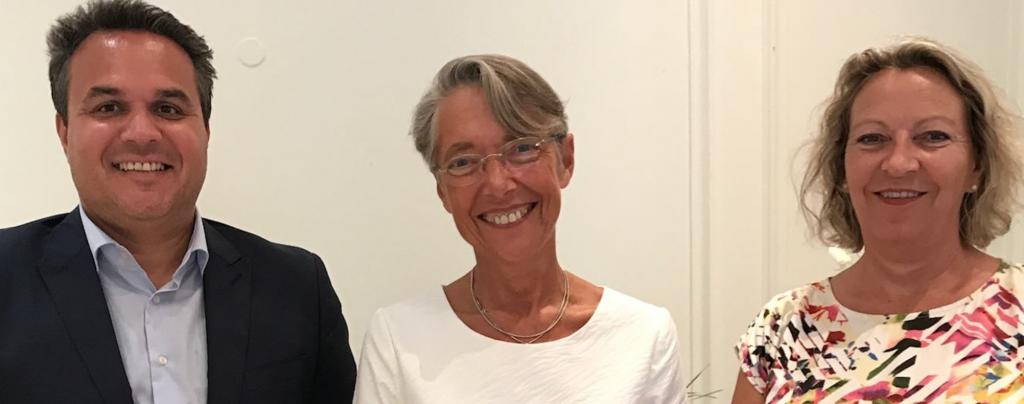 Didier Robert, le président de la Région Réunion, Elisabeth , Ministre chargée des transports et Fabienne Couapel-Saurel© DR