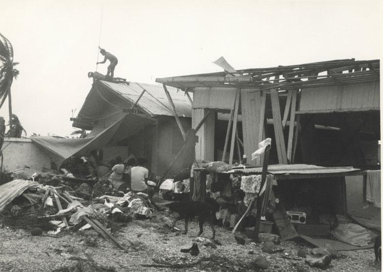 Durant la saison 82-83, six cyclones sont passés sur la Polynésie française, dont Veena, qui a fait une victime ©Assemblée de la Polynésie française