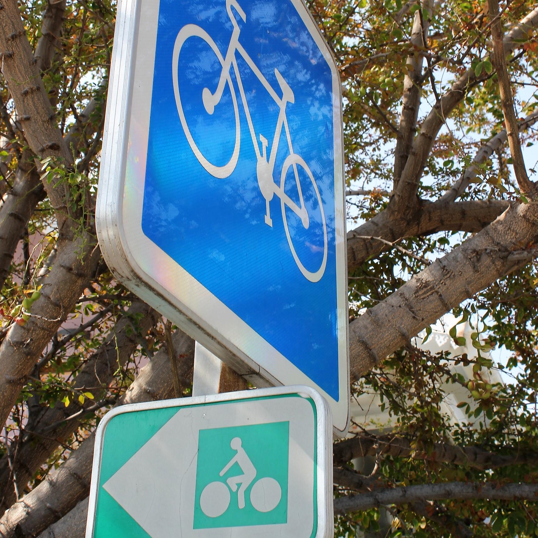 Bande cyclable sur la côte ouest réunionnaise ©Outremers360