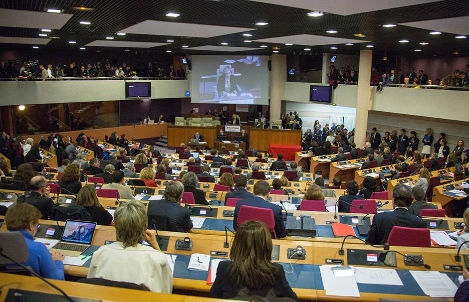 Outre-mer : La Région Ile-De-France vote la fin du non cumul de la bourse régionale et de l'aide de LADOM