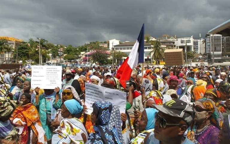 Plusieurs milliers de mahorais ont manifesté lundi contre la gratuité des visas Mayotte-Comores. Une nouvelle manifestation est prévue aujourd'hui ©Ornella Lamberti / AFP