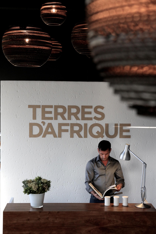 Stéphane Helary dans son showroom, en Afrique du Sud ©DR