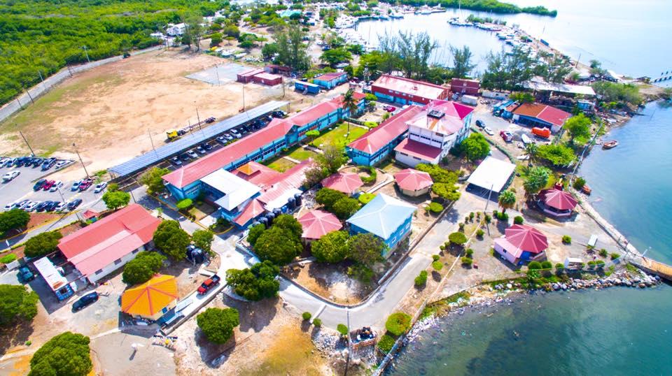 La Caribbean Maritime University en Jamaïque ©DR