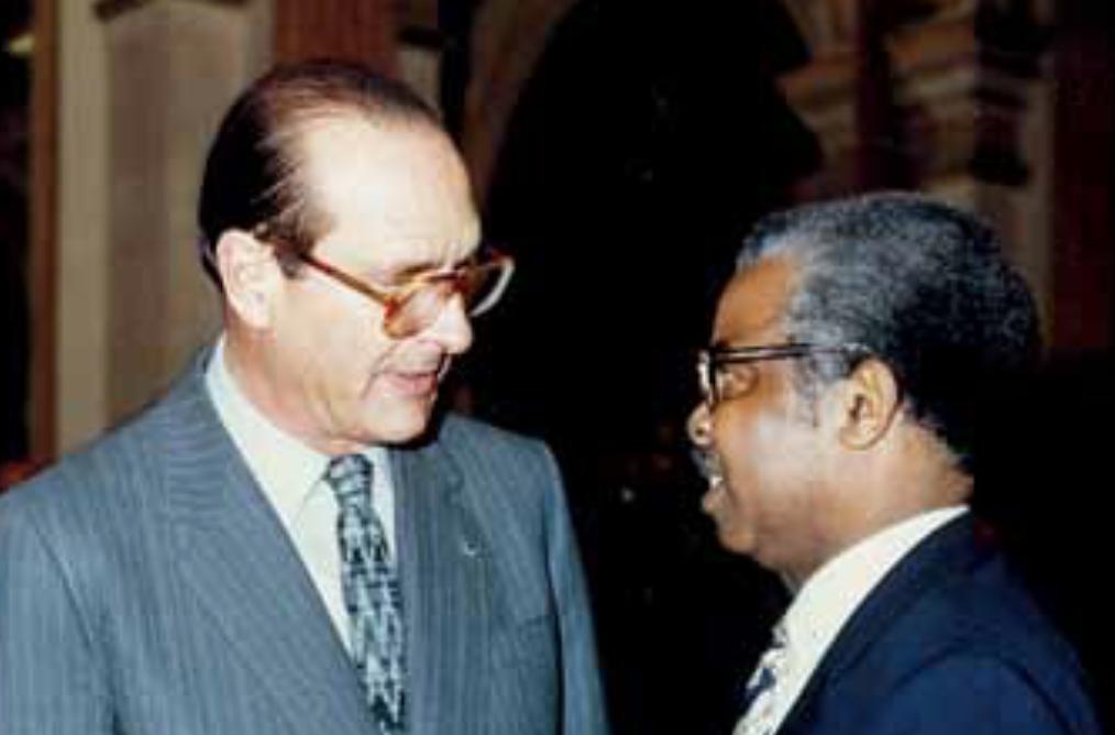 Rencontre de Raoul George Nicolo avec Jacques Chirac © DR/ France Archives