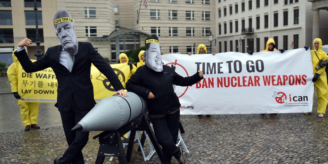 Des militants anti-armes nucléaires à Berlin ©Britta Pedersen / AFP