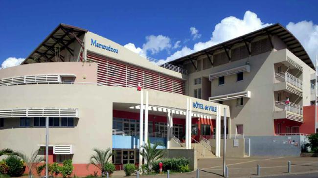 Mayotte: Le département et la mairie de Mamoudzou dénoncent la baisse des contrats aidés