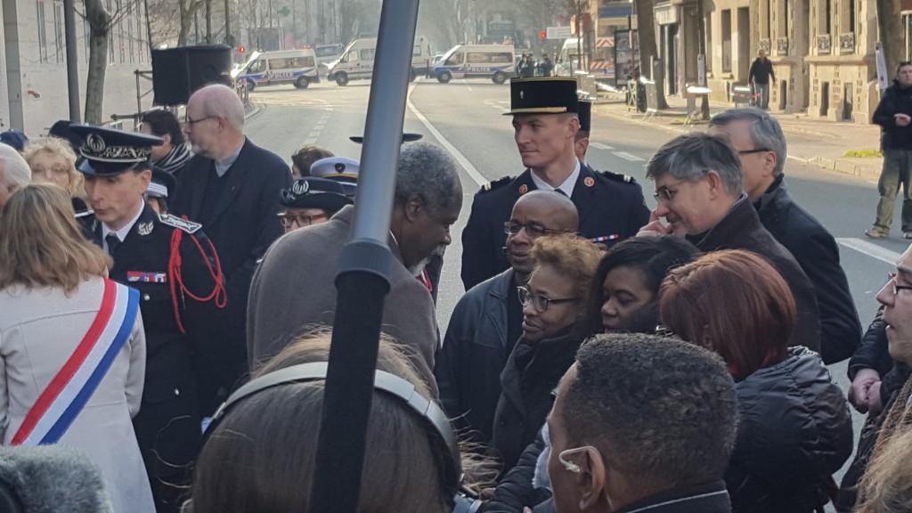 Le Président Jean-Michel Martial qui salue les proches de Clarissa Jean-Philippe © Outremers 360