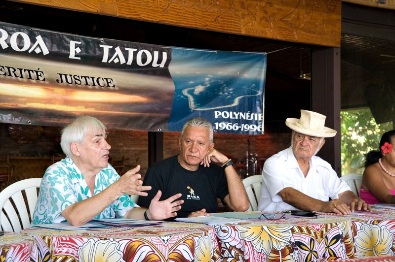 Bruno Barrillot, Roland Oldham et John Doom, co-fondateurs de l'association Moruroa e Tatou ©Radio 1 Tahiti