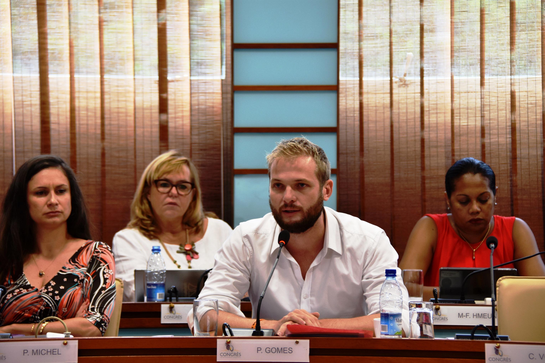 Nouvelle-Calédonie : Après le passage d'Emmanuel Macron, 11 membres de Calédonie Ensemble rejoignent La République en Marche