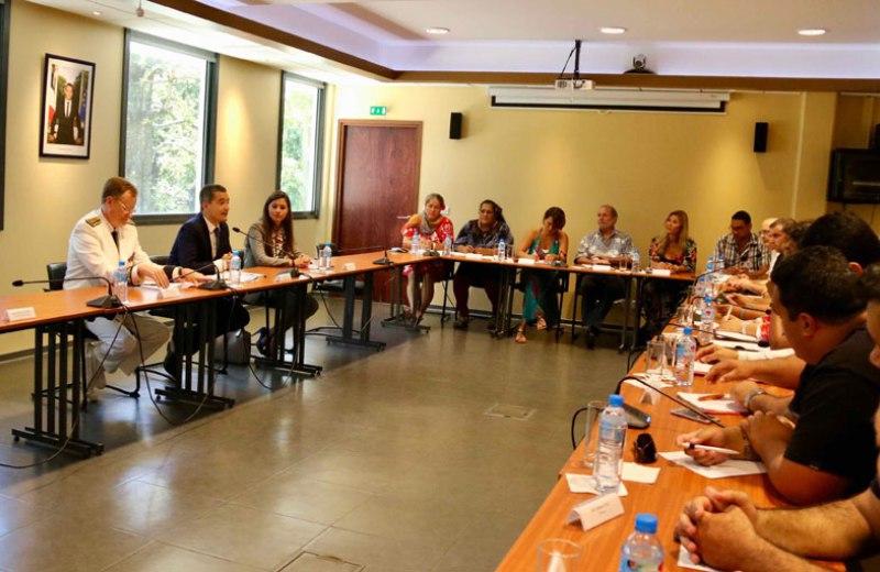 Vendredi après-midi, le ministre Gérald Darmanin s'est entretenu avec les organisations syndicales des fonctionnaires en Polynésie ©Vaite Urarii Pambrun / radio 1 Tahiti