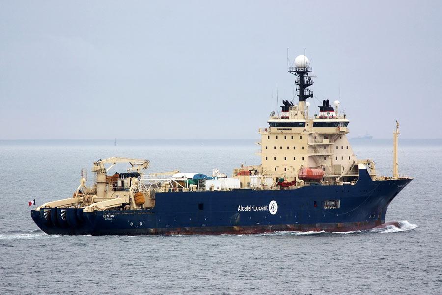 L'Île de Batz commencera la pose du câble Natitua fin juillet, avec Gérarld Darmanin ©Michel Floch / Marine Marchande