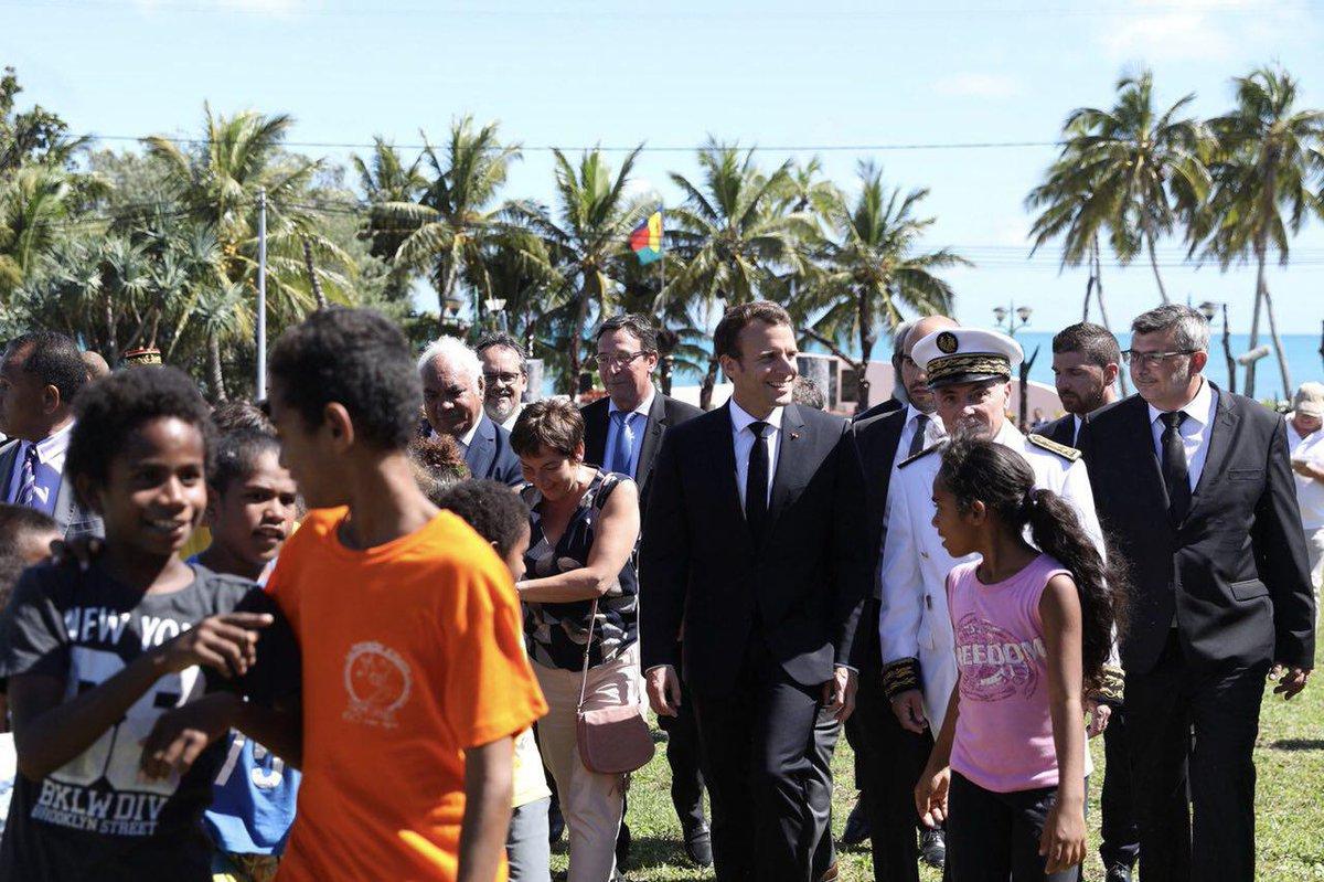 Emmanuel Macron en visite en Nouvelle-Calédonie, en mai 2018 ©Twitter / Emmanuel Macron