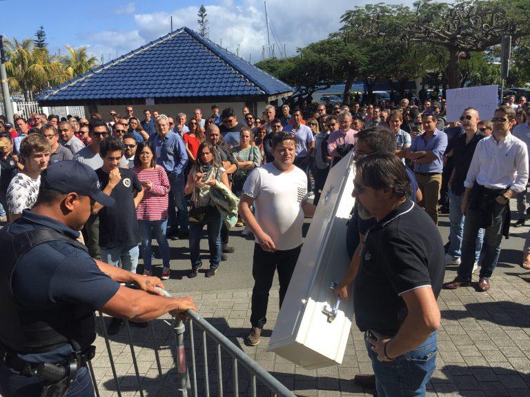 Manifestation du Medef calédonien à Nouméa ©La Dépêche de Nouvelle-Calédonie