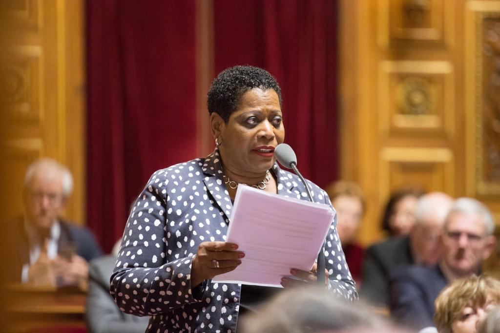 Victoire Jasmin dans l'Hémicycle lors de la séance de questions au gouvernement © DR