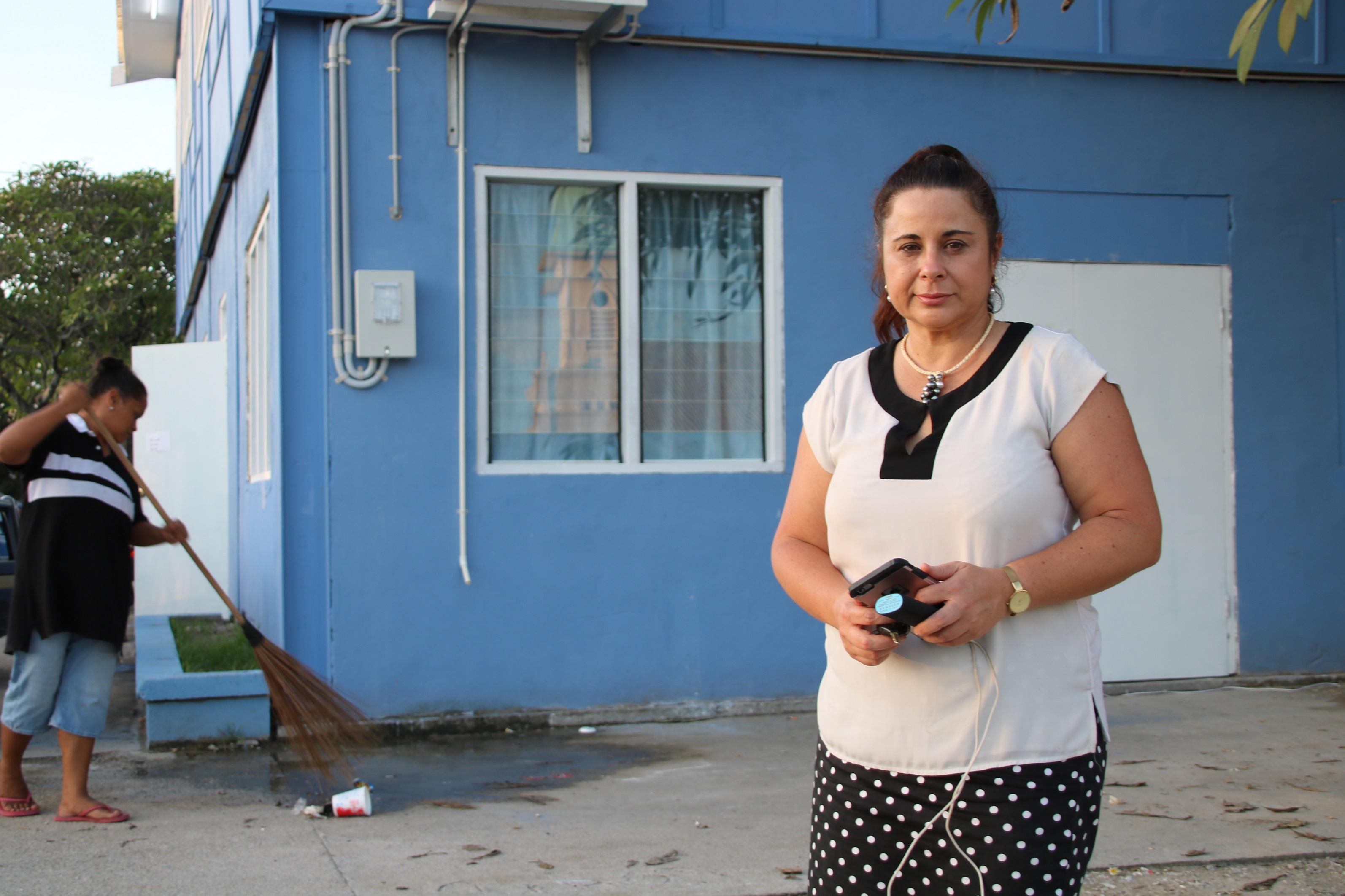 La journaliste néo-zélandaise Barbara Dreaver a été arrêtée pour avoir interrogé des migrants d'un des camps australiens installés sur l'île de Nauru ©Mike Leyral / TNTV