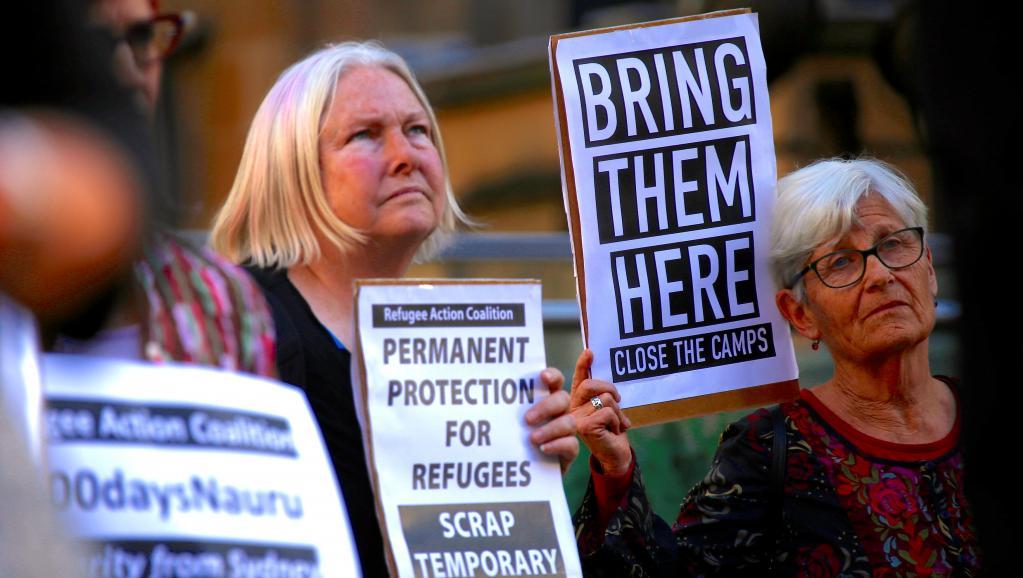 Des avocats australiens manifestent à Sydney en 2016, contre les camps de réfugiés australiens sur les îles de Nauru et Manus ©David Gray / Reuters