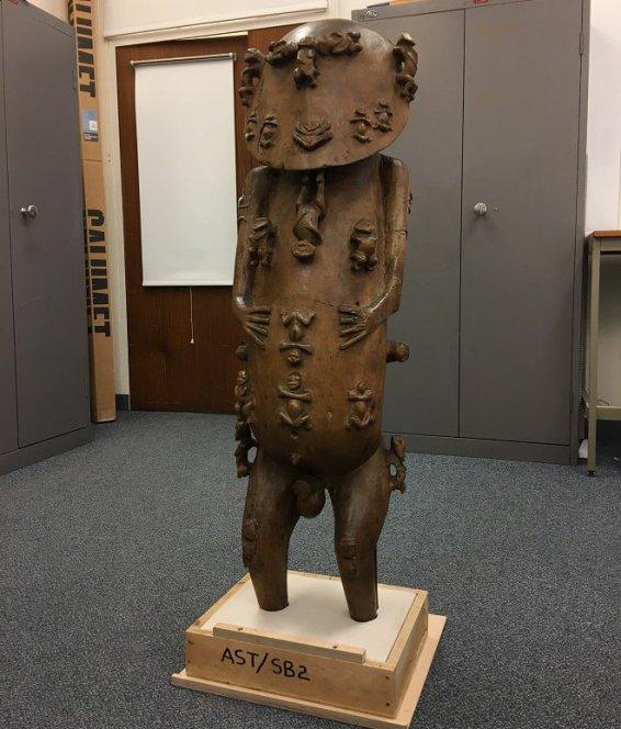 La statue du dieu polynésien A'A ©CB