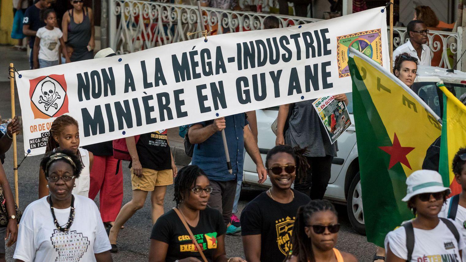 En Guyane, les opposants au projet minier sont particulièrement déterminés, selon la Commission nationale du débat public sur la Montagne d'or ©Jody Amiet / AFP
