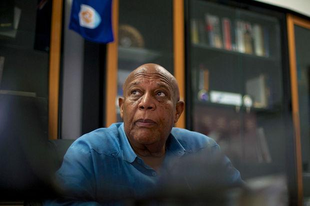 Victor Banks, ministre en chef à Anguilla. © AFP/Cedrick Isham Calvados