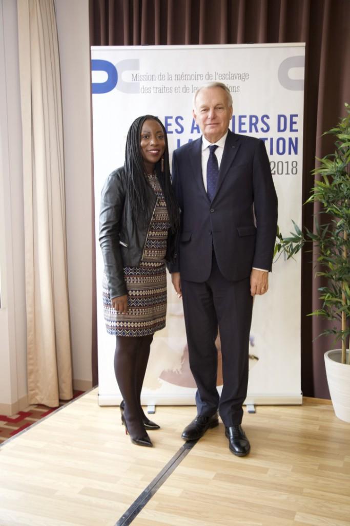 Jean-Marc Ayrault avec Aissata Seck © Jean José