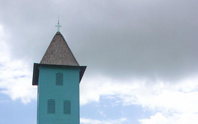 Guyane : Rejet d'un recours visant la rémunération des prêtres par la collectivité