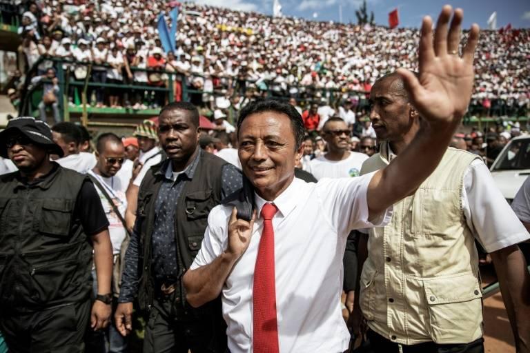 Le candidat à la présidentielle malgache Marc Ravalomanana, avant un meeting de campagne devant des dizaines de milliers de partisans, à Antananarivo, le 15 décembre 2018 ©Gianluigi Guercia / AFP