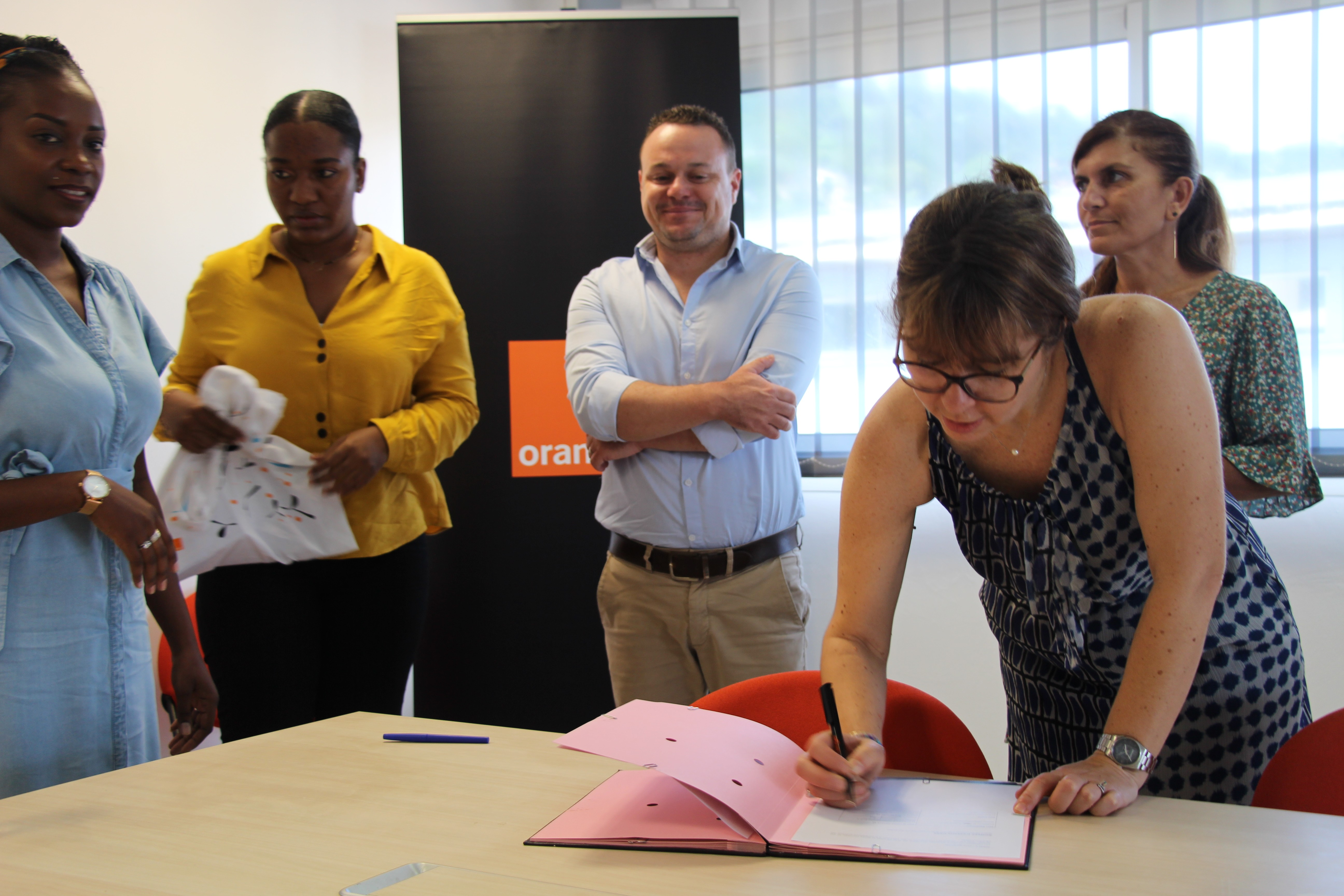À Mayotte, Orange et l'ADIE vont accompagner trois femmes entrepreneuses