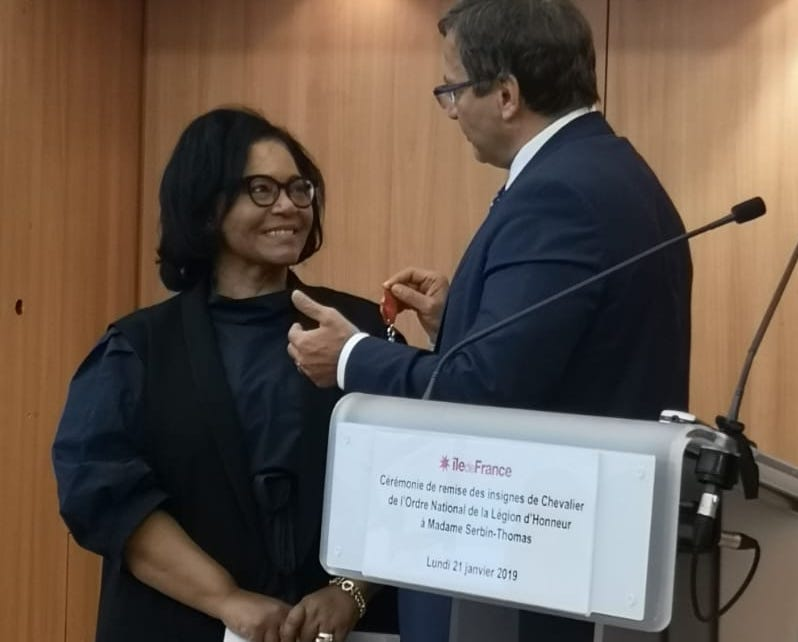 La Martiniquaise Marie-Jeanne Serbin-Thomas reçoit la Légion d'Honneur au Conseil régional d'Île de France