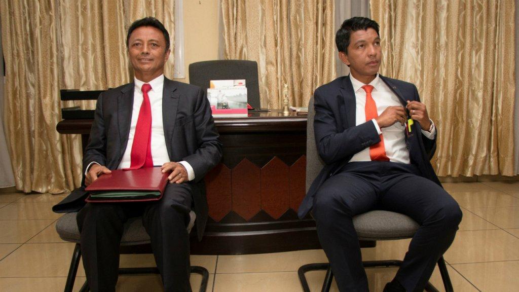 Les candidats Ravalomana et Rajoelina ont mené leur campagne dans un contexte de revanche politique ©Mamyrael / AFP