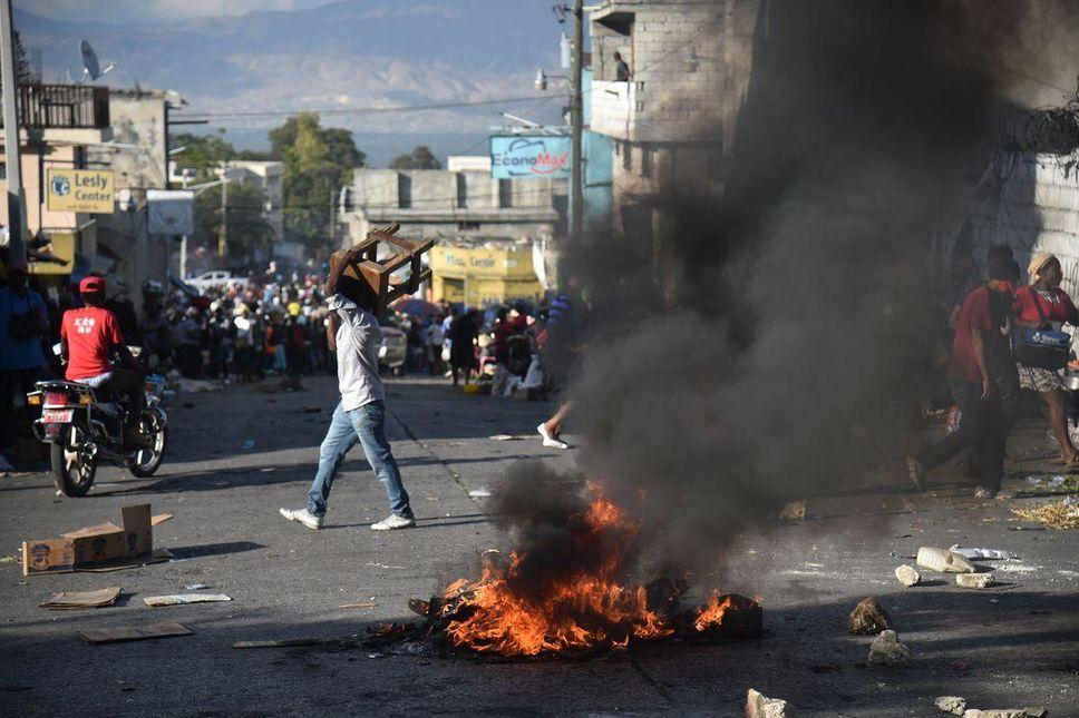 En Haïti, quatre morts dans un accident de blindé de l'ONU alors que la colère gronde dans le pays