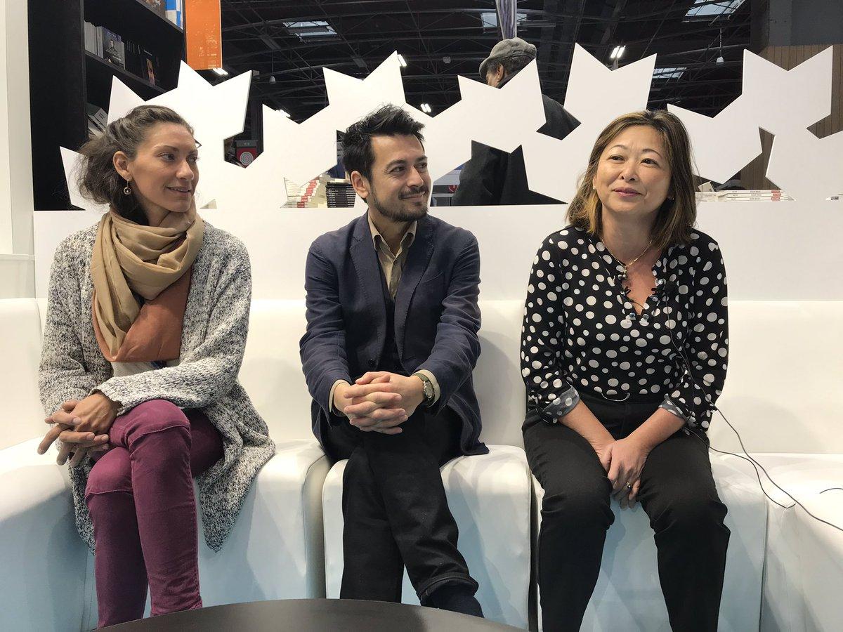 Arnaud Cheyssial, en compagnie de Lucille Bambridge, de l'association des éditeurs de Polynésie, et Caroline Tang, déléguée de la Polynésie à Paris, lors du Livre Paris 2019 ©Outremers360