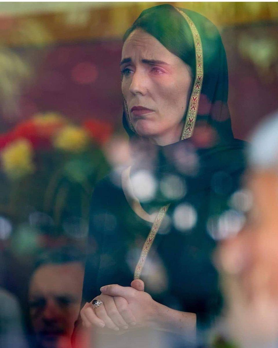 Tuerie de masse dans 2 mosquées de Christchurch en Nouvelle Zelande - Page 8 D1xAUHfU8AApeRZ