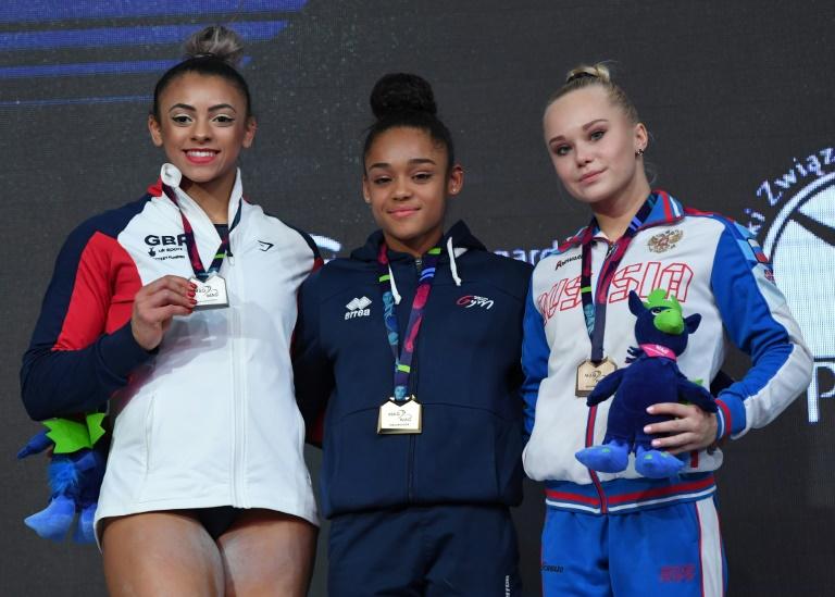 La Française Mélanie De Jesus Dos Santo(c) s remporte le concours général de gymnastique aux championnats d'Europe à Szczecin en Pologne le 12 avril 2019 ©AFP / Janek SKARZYNSKI