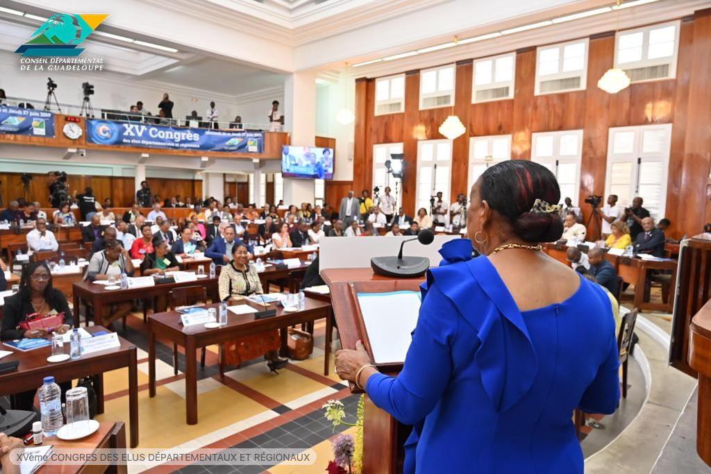 Discours de la présindente du Conseil départemental à  l'Assemblée © Conseil départemental de Guadeloupe