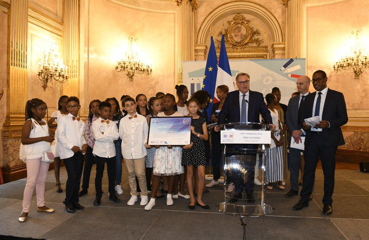 Parlement des enfants : Les écoliers guadeloupéens veulent diminuer l'impact du numérique sur l'environnement
