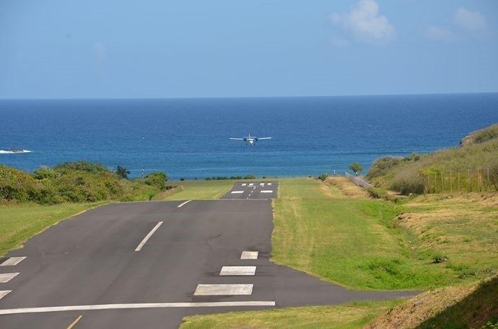 Très courte, la piste de Ua Pou n'est praticable qu'en Beechcraft ou Twin Otter ©Communauté de communes des Îles Marquises (CODIM)