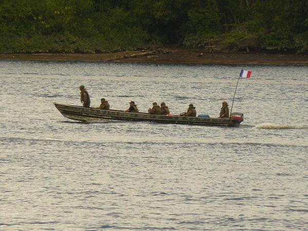 Guyane : deux gendarmes et deux militaires blessés lors d'une patrouille contre l'orpaillage clandestin