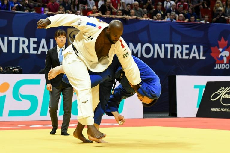 Teddy Riner (en blanc) a battu le Japonais Hisayoshi Harasawa en finale du Grand Prix de Montréal, le 7 juillet 2019 ©Martin Ouellet-Diotte