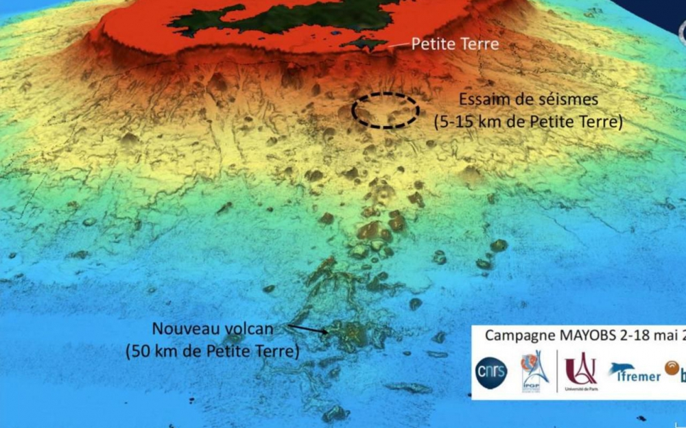 volcan sous-marin CNRS