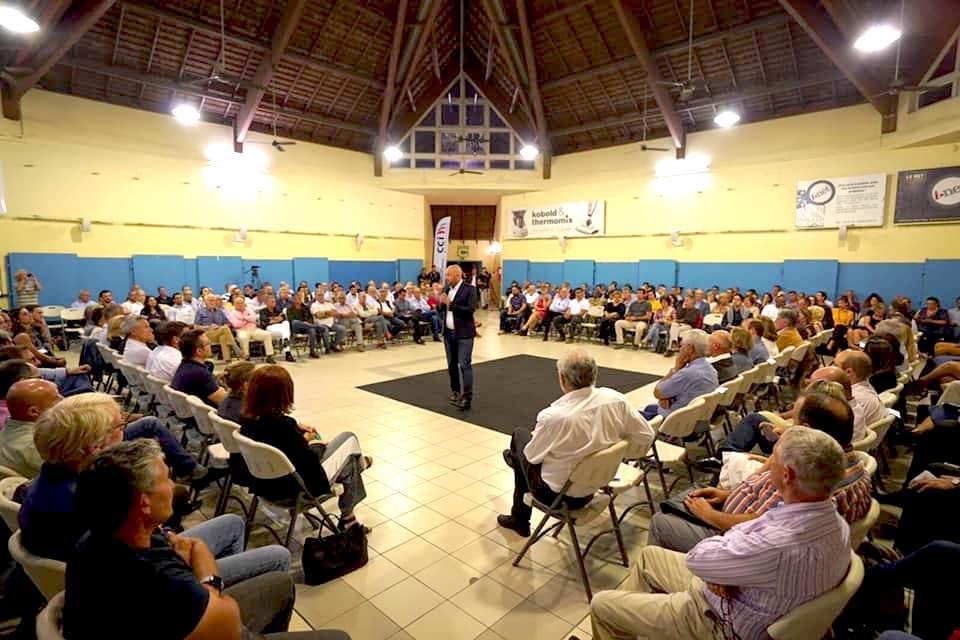 300 personnes au premier Grand débat économique en Nouvelle-Calédonie