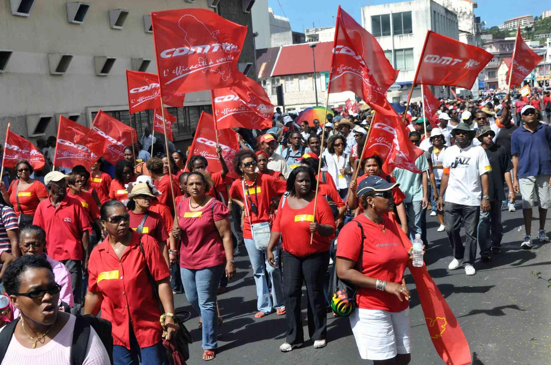 Comme un effet domino, le mouvement social en Guadeloupe atteint la Martinique, également paralysée