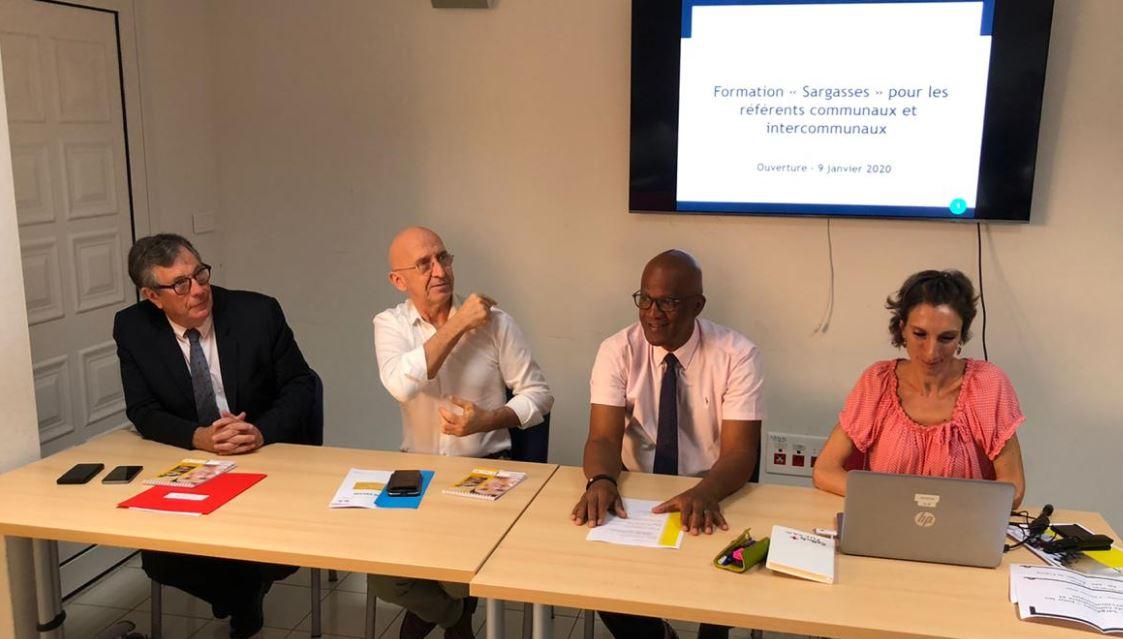 Sargasses en Guadeloupe : Des référents communaux formés pour mieux appréhender l'échouage des sargasses