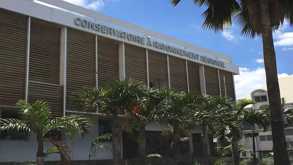 Covid-19-La Réunion : Le Conservatoire à Rayonnement Régional assure une continuité pédagogique artistique pour ses élèves
