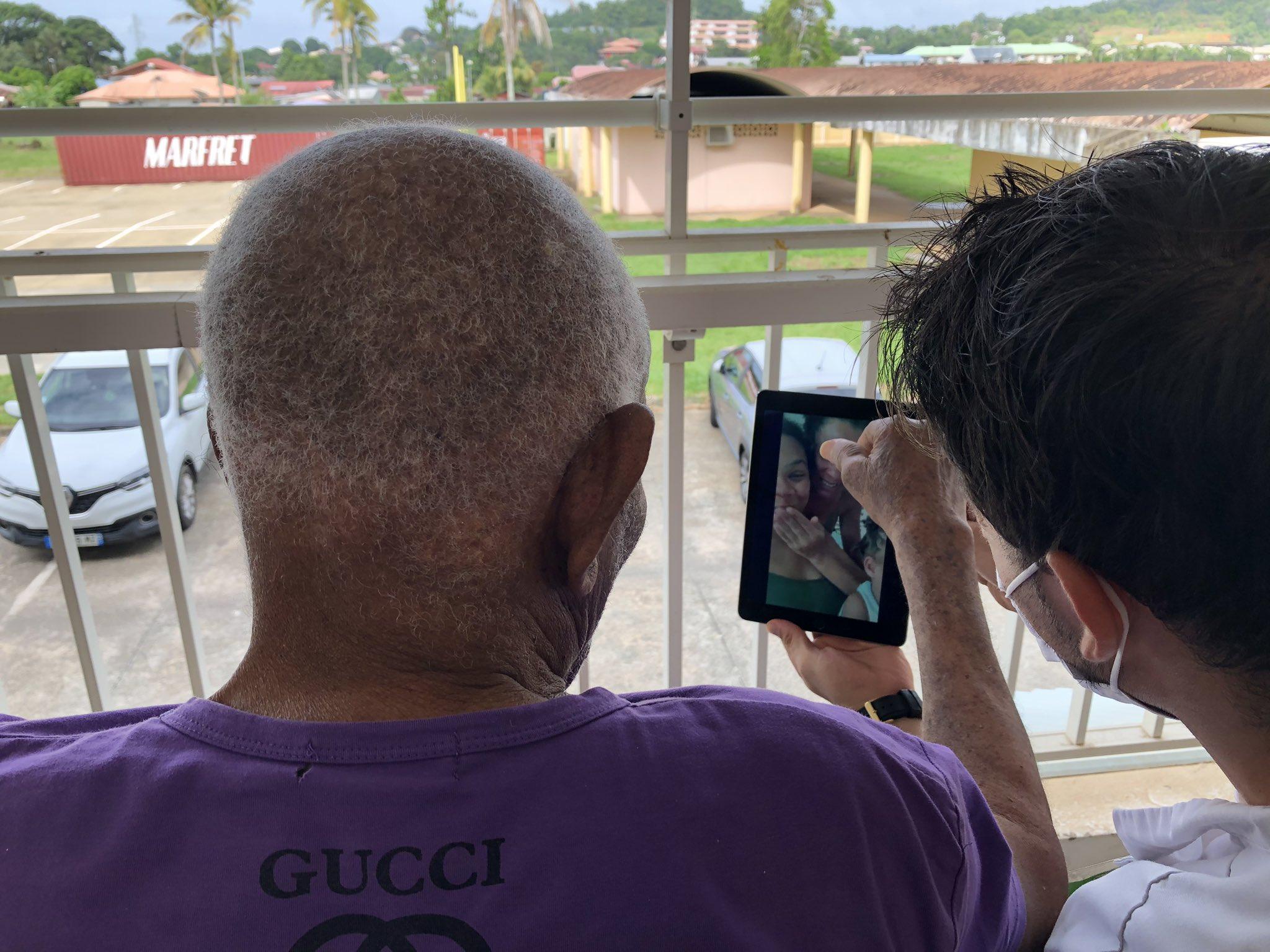 Covid-19- Antilles-Guyane : La Fondation Orange distribue 940 kits de connexion aux rectorats, aux Universités et à deux EPHAD
